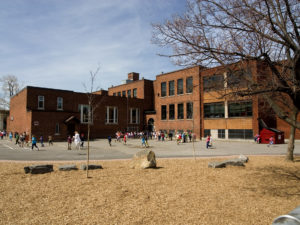 Patrimoine Institution Elementary Cour Decole7389